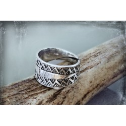 Silver Viking ring replica from Gotland