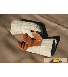 Three-finger quilted gloves
